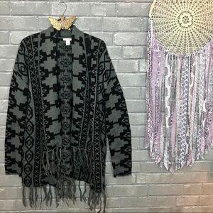 caslon // black gray aztec geo print cardigan m